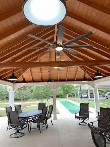 20x28 vinyl pavilion with ceiling fans,
